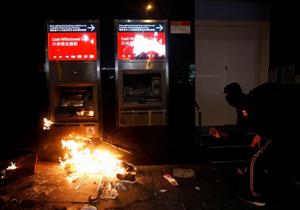 La tensión vuelve a Hong Kong durante la marcha de Año Nuevo