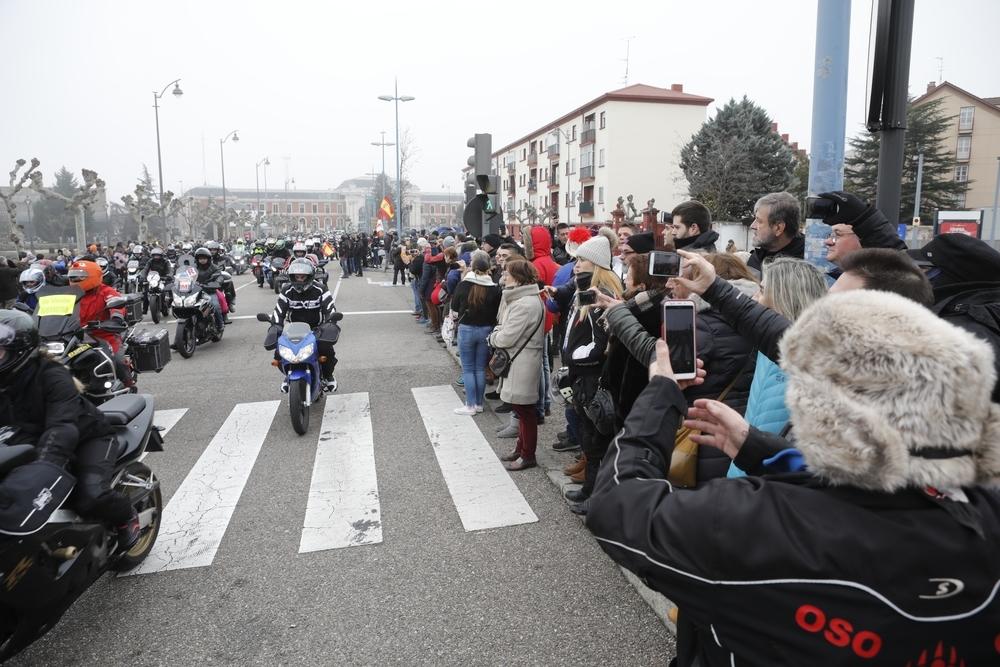 Los 'Pingüinos' pasean sus banderas por Valladolid