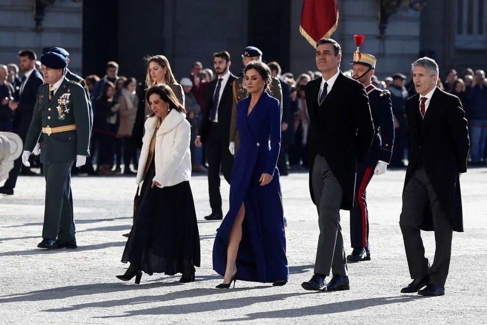 La Reina Letizia empieza el año dando una clase de estilo
