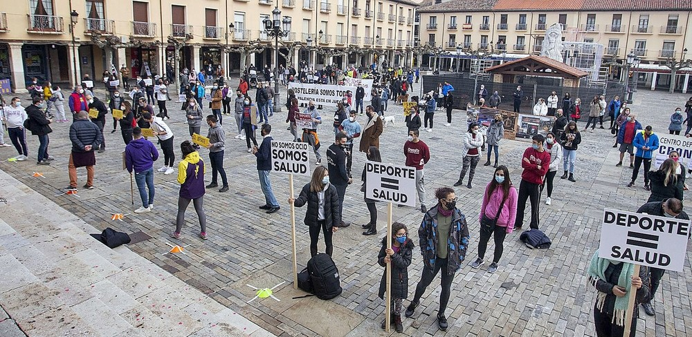 Concentración contra el cierre de los gimnasios | Todas las noticias de  Palencia