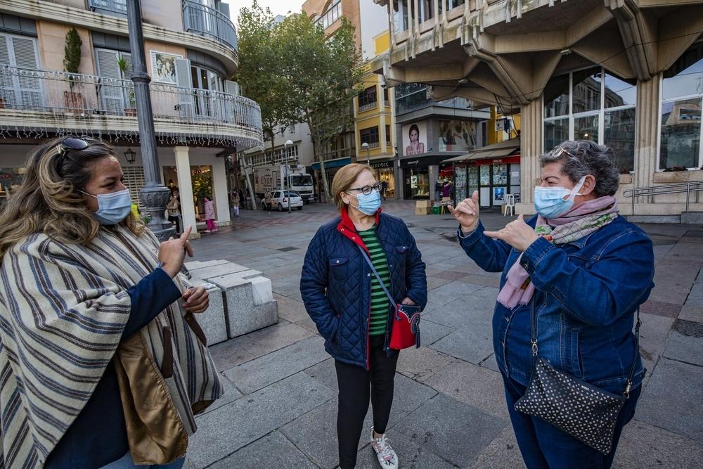 La mascarilla, un freno para las personas sordas