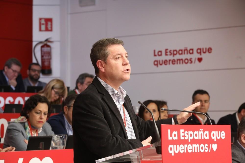 Page reivindica al PSOE como la vía moderada para España
