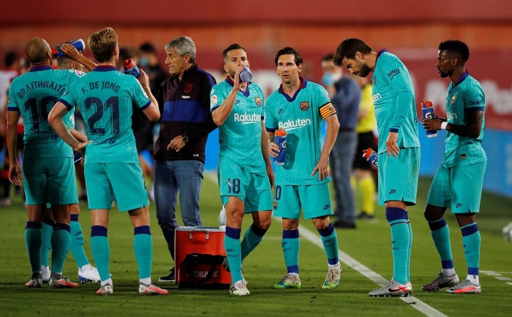 El Barça golea en Son Moix