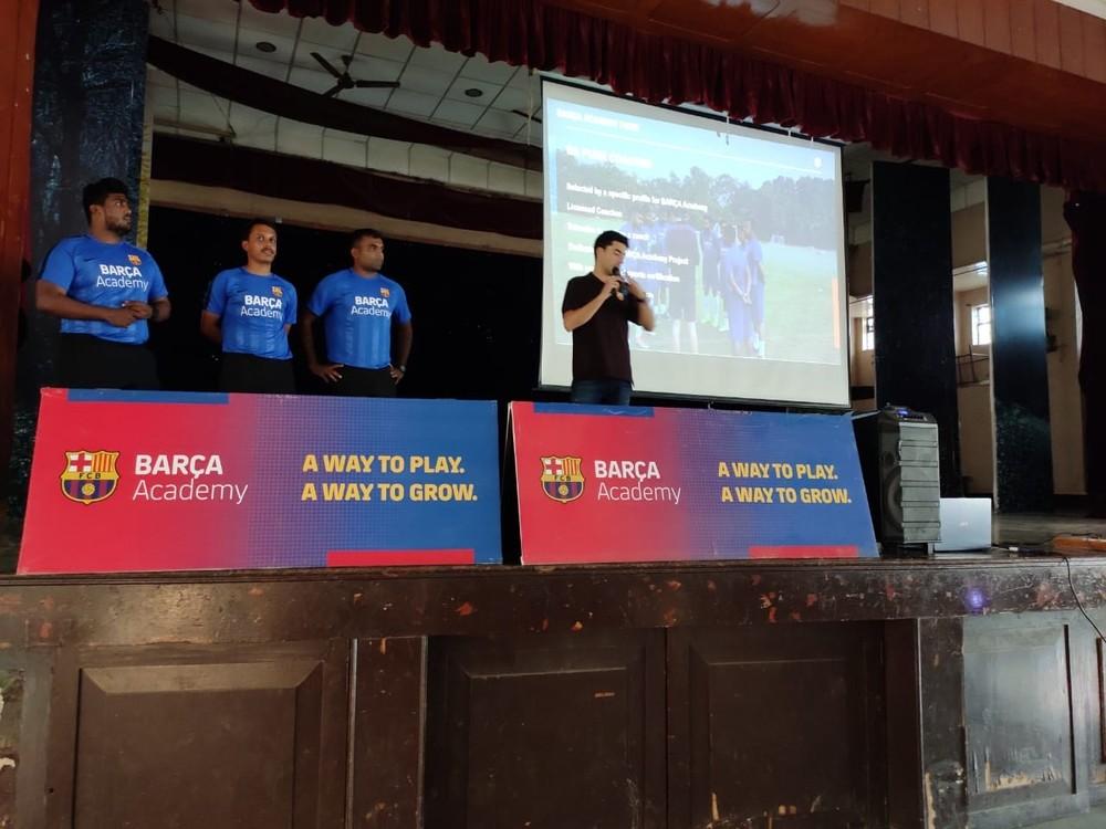 Alberto Lafuente, soriano internacional en la Barça Academy