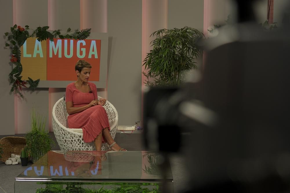GALERÍA| La presidenta María Chivite responde en Navarra Televisión