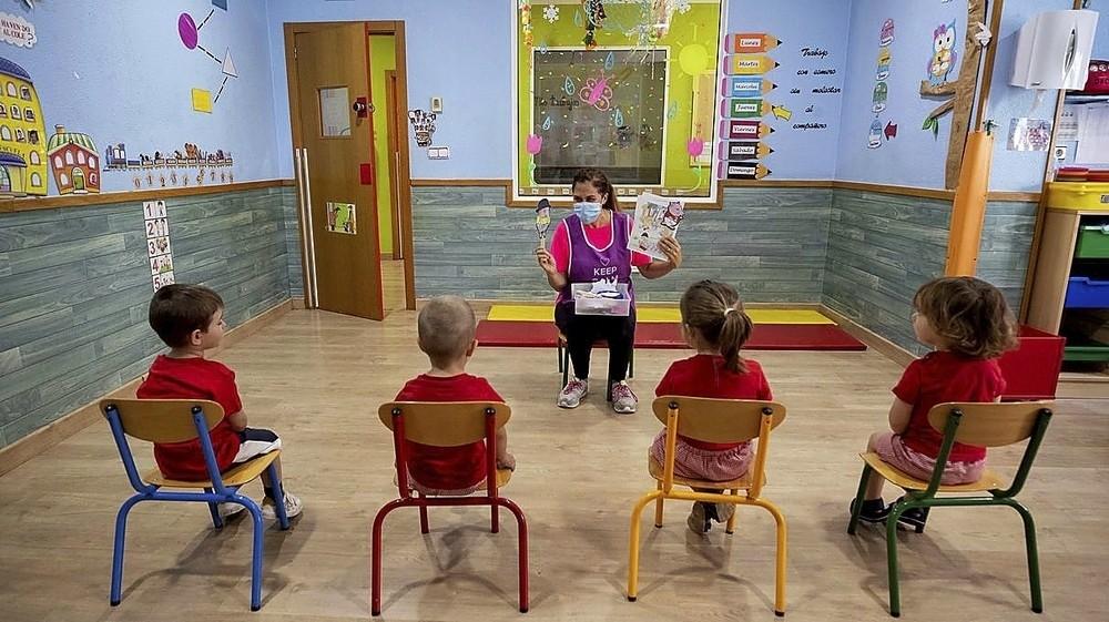 El covid sigue confinando aulas: 2.100 alumnos aislados