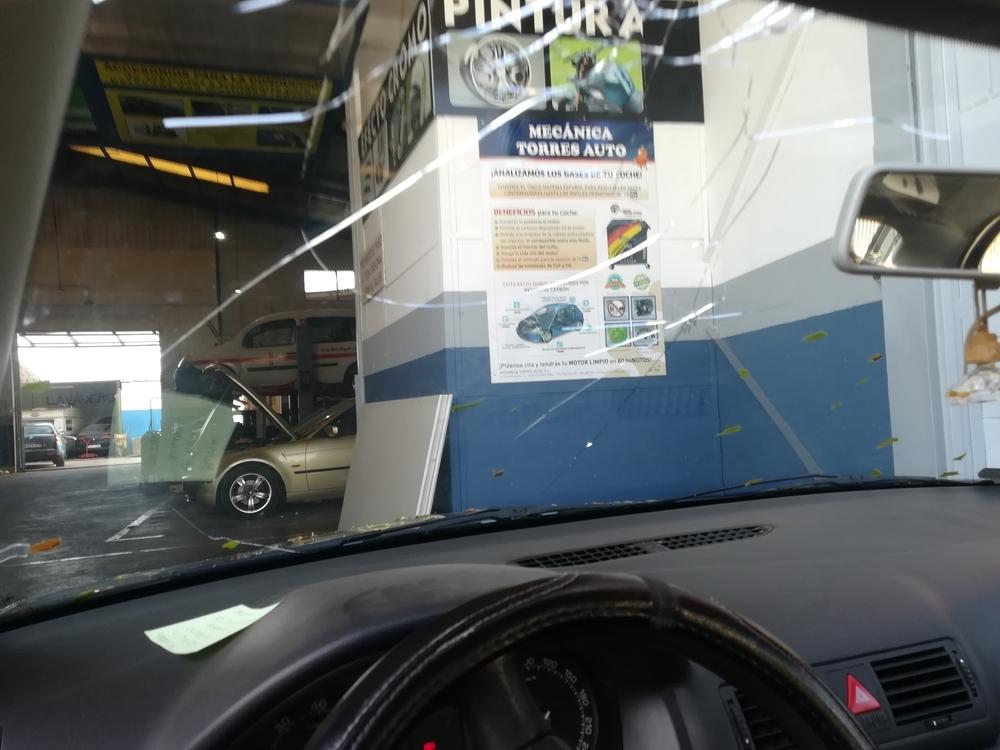 Los daños del pedrisco en vehículos desbordan los talleres