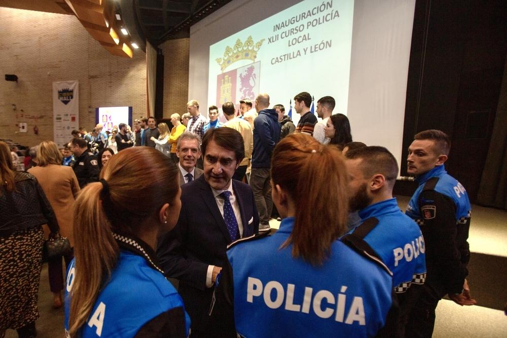 La Mayor Promoción De Policías Locales Inicia El Curso Noticias Diario De ávila