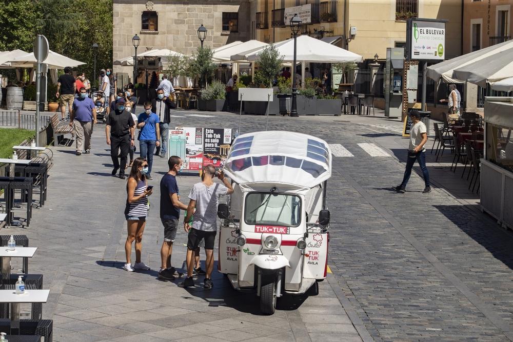 """El Ayuntamiento de Ávila valora de manera de manera """"muy positiva"""" la respuesta de la peatonalización en zonas como Duque de Alba, calle San Segundo o el Arco del Rastro."""