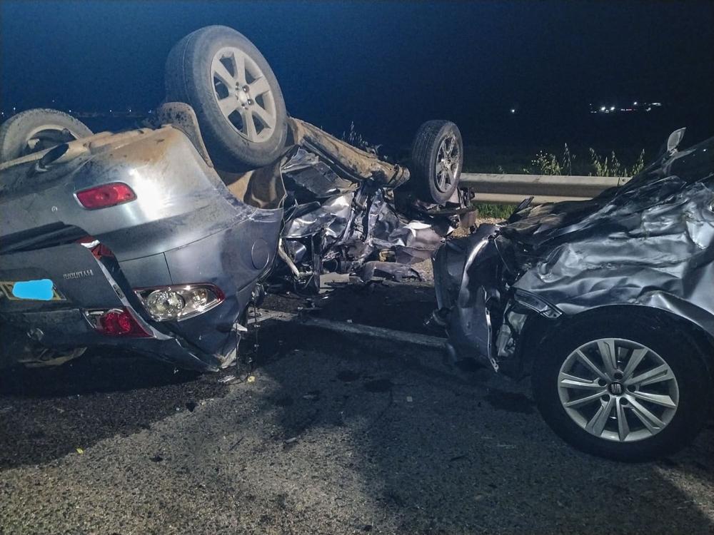 Un muerto por una colisión entre tres vehículos en la A-43
