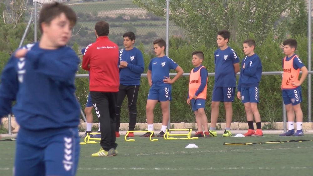 (Vídeo): La Segoviana reduce el 15% el precio al fútbol base