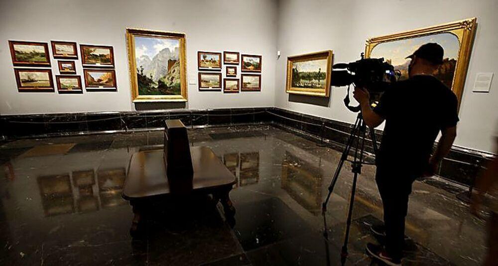 Obras de Carlos de Haes (18826-1898) que ahora lucen juntas en una de las estancias de la pinacoteca madrileña.