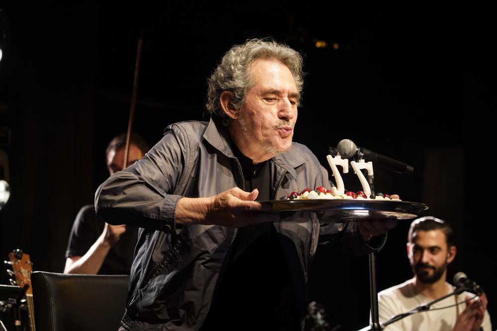 Miguel Ríos 'sopla' 77 velas al ritmo de su último disco