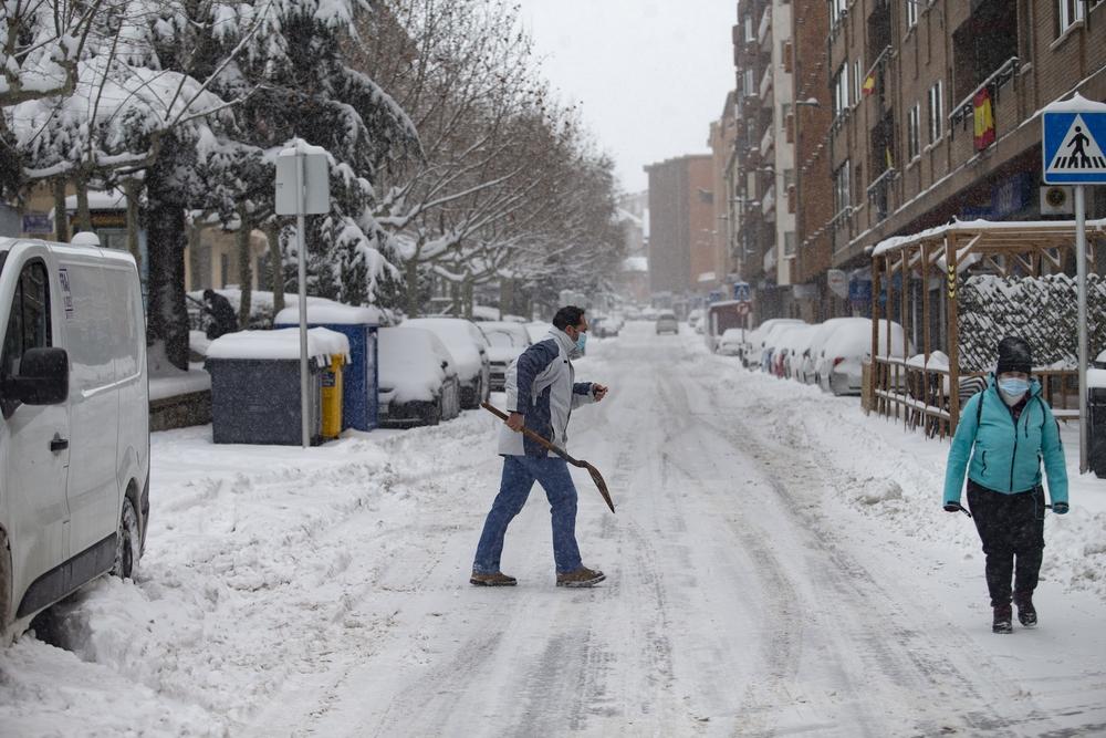 La borrasca Filomena deja una gran nevada en Ávila.