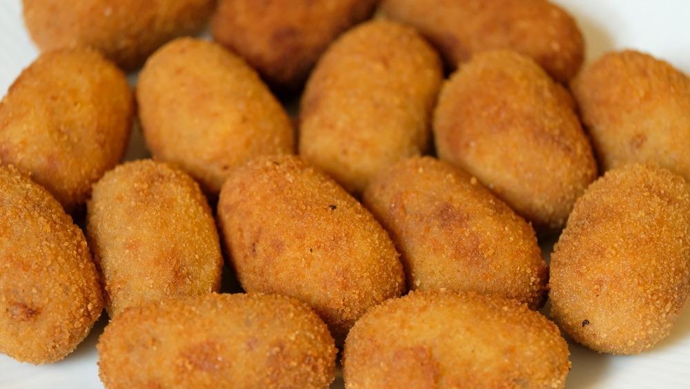 Cada español consume 151 croquetas al año