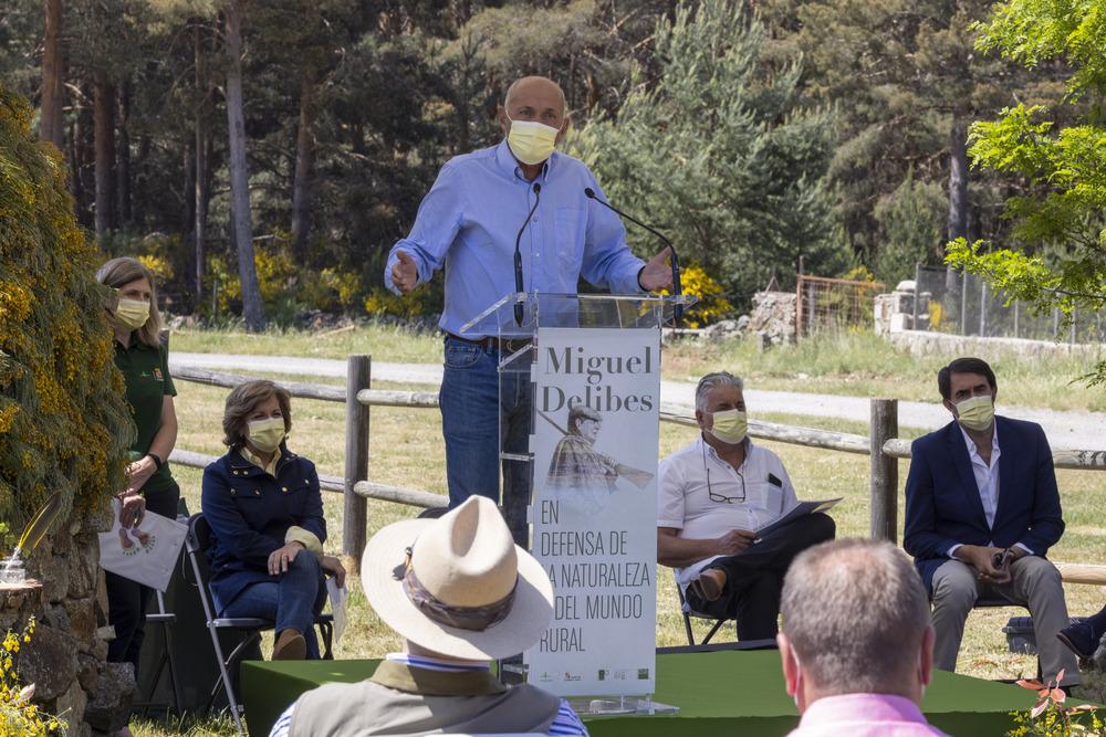 El piorno se alía con el Delibes 'defensor del mundo rural'