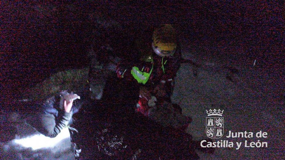 Rescatan a cinco montañeros en el Pico Mencilla