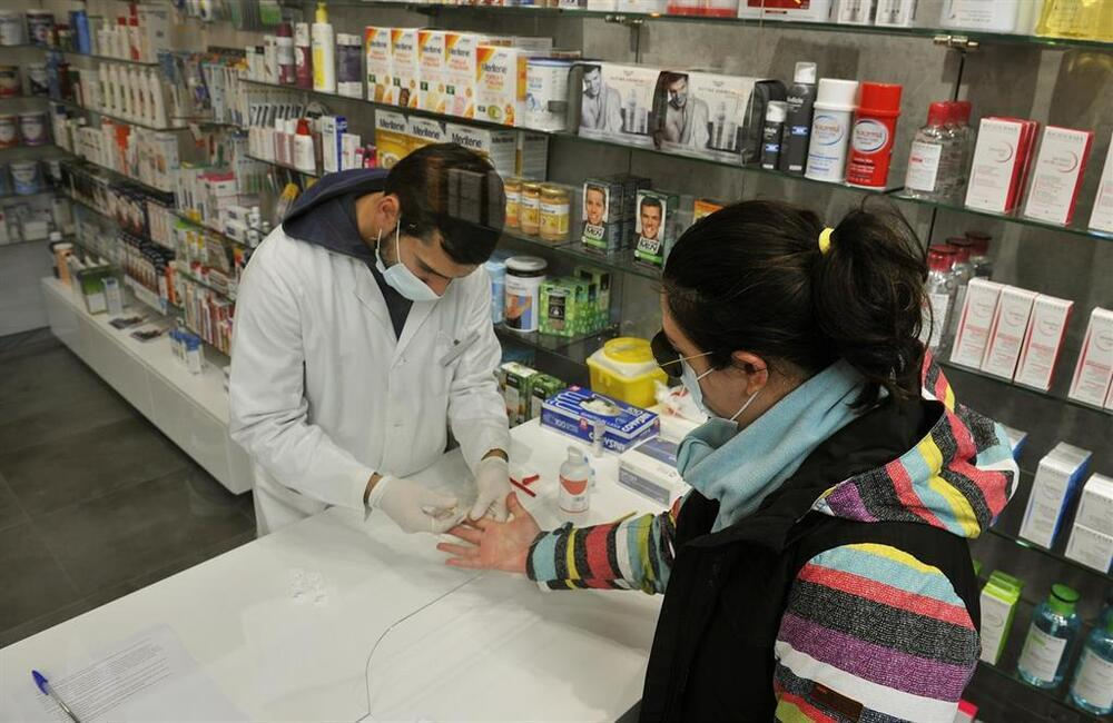 Así se usan los test que puedes comprar en tu farmacia