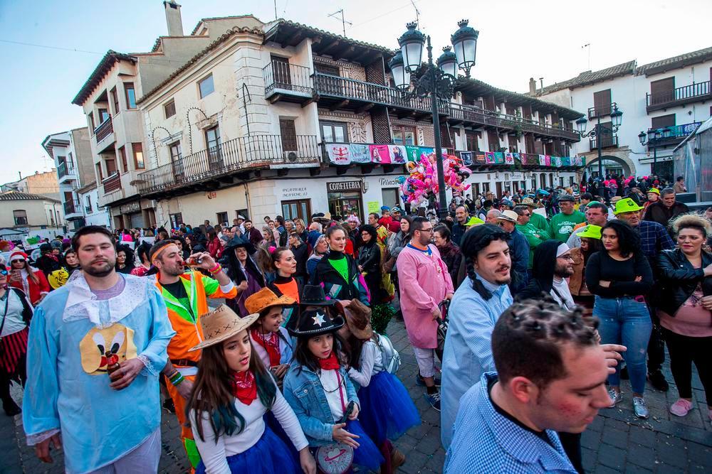 El espíritu del Carnaval tarazonero reta al virus y al frío