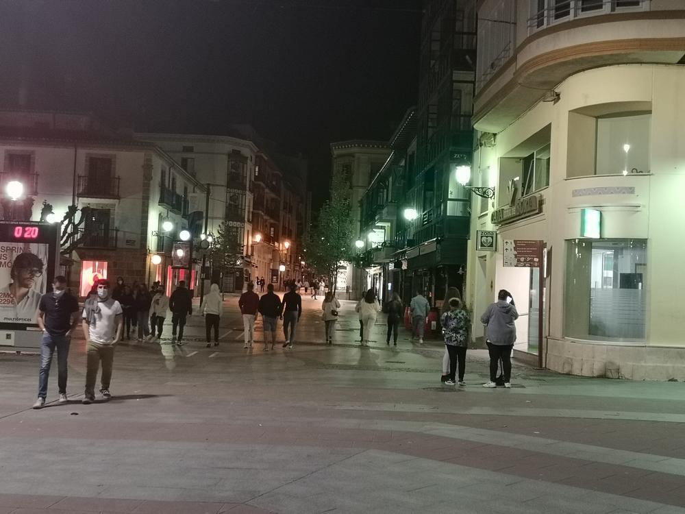 Soria sale a la calle minutos después de las 12 de la noche