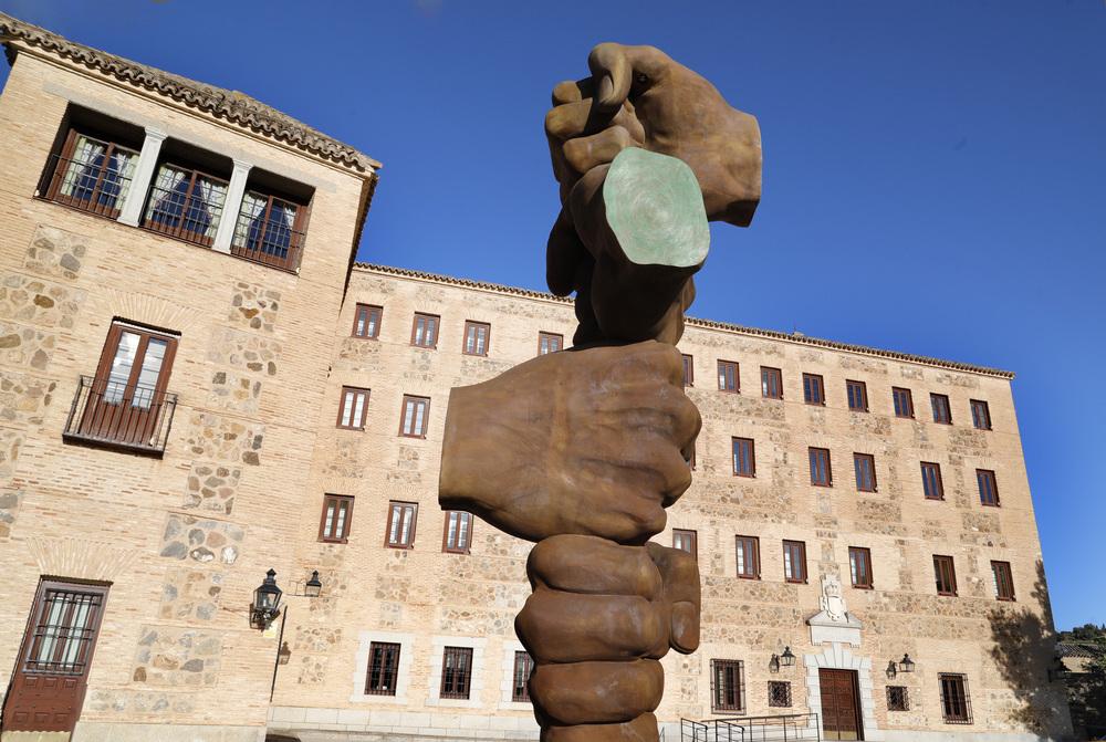 Las Cortes levantan un monumento por la pandemia