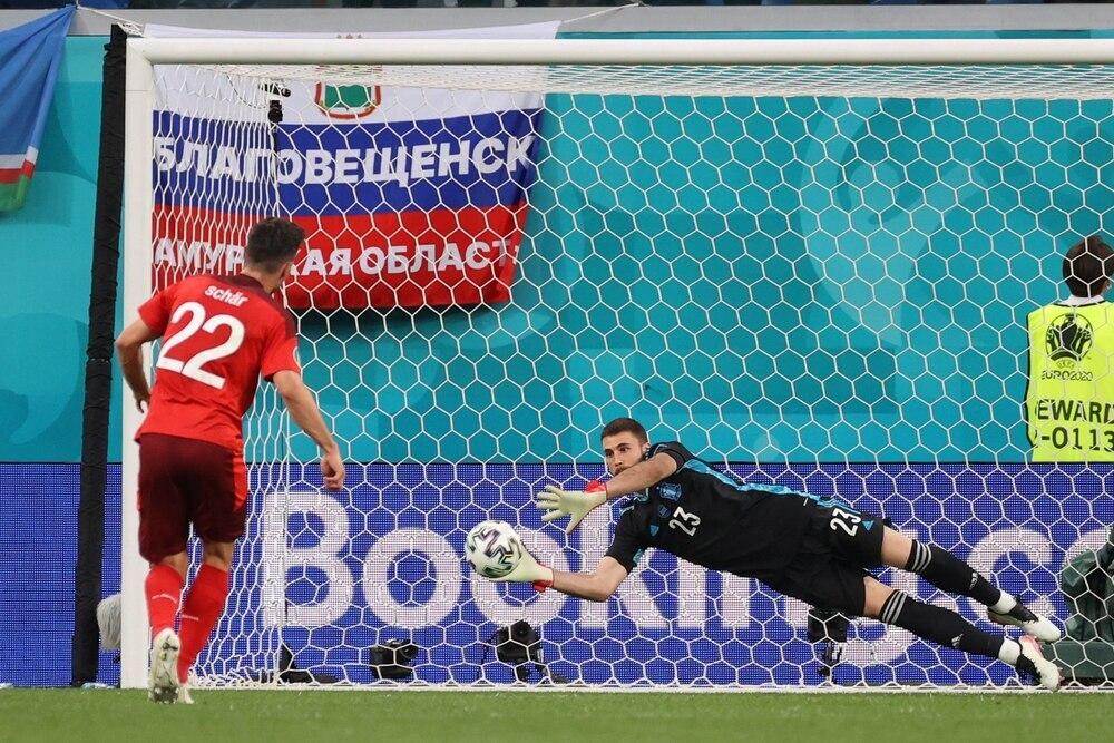 España gana a Suiza en los penaltis y jugará las semifinales