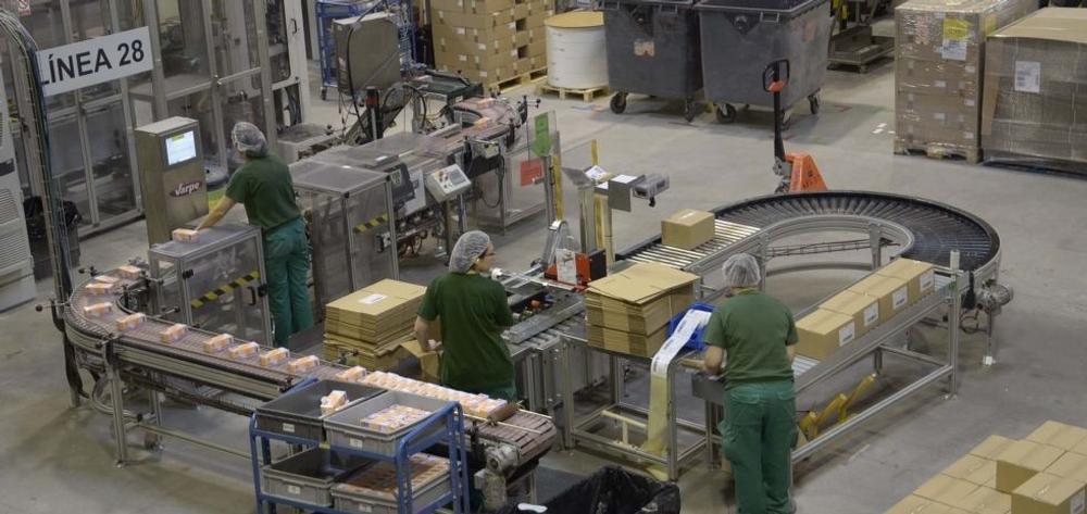 Ontex ha presentado ante Industria un proyecto por libre, sin alianzas con otras empresas, con posibles inversiones para modernizar su planta de Valverde y aumentar su eficiencia energética.