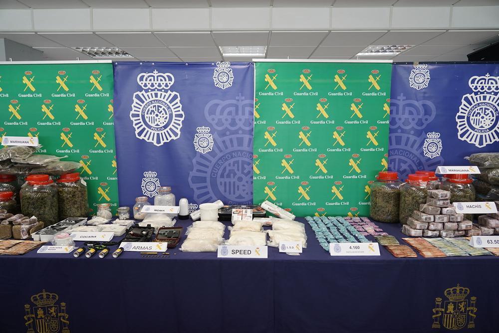 Drogas, armas y dinero y intervenidas en la Operación Ícaro.