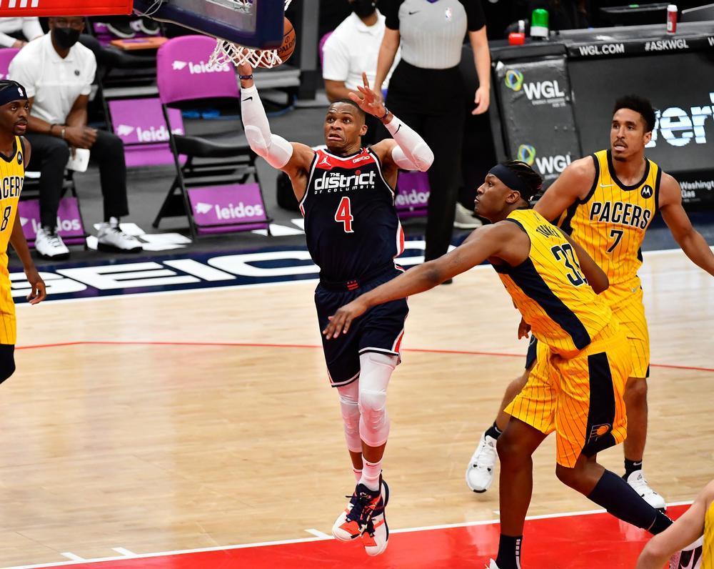 Otro triple-doble histórico de Westbrook