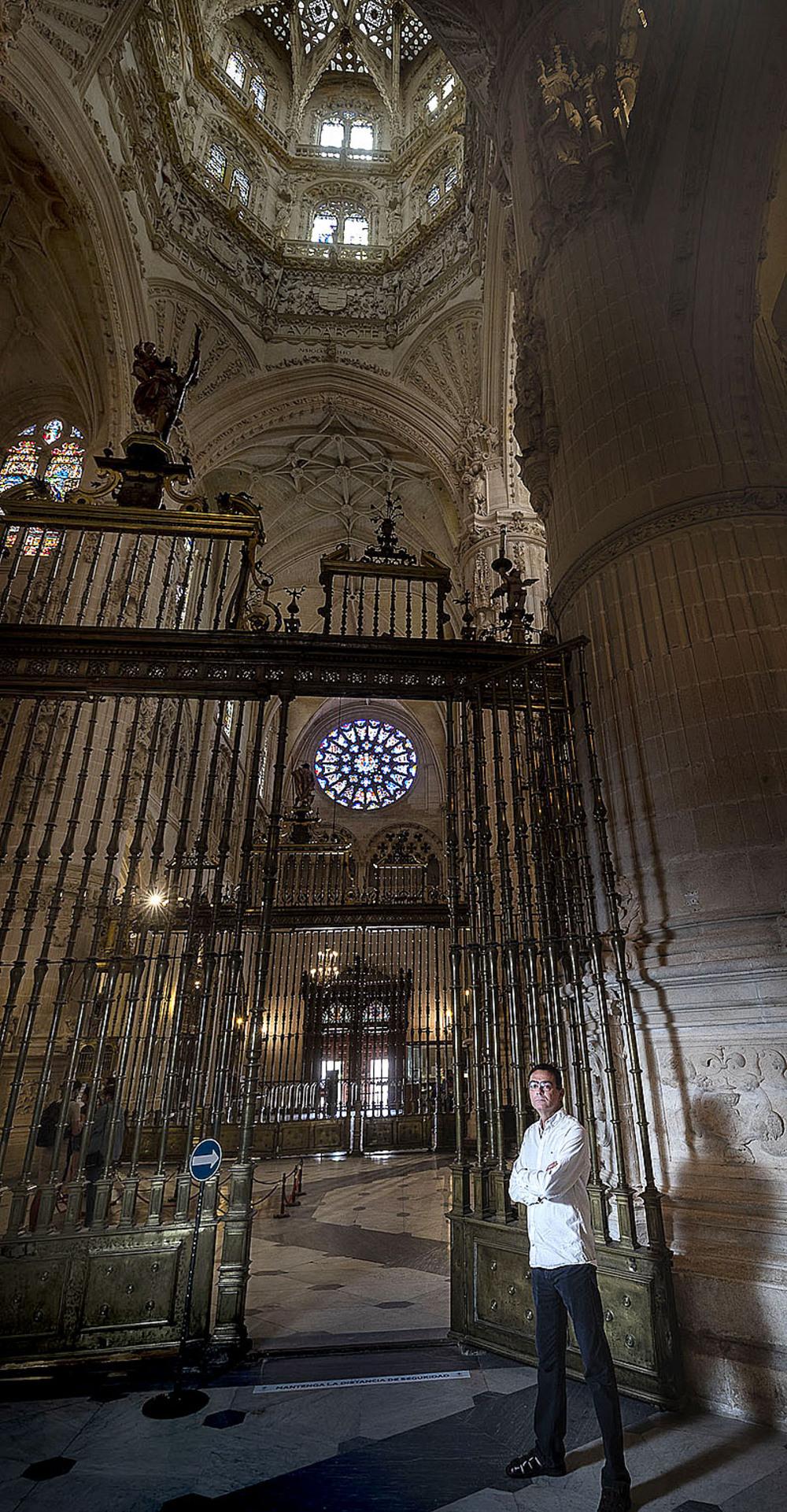 Enrique Barrio (vidrieras): «Si la Catedral era un enfermo, ahora podemos decir que está curado, pero es un anciano y tiene que someterse a revisiones periódicas»