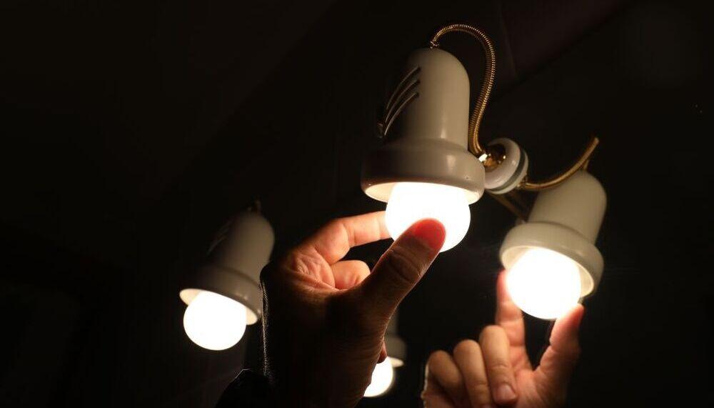 El precio de la luz aumenta este jueves hasta los 190 euros