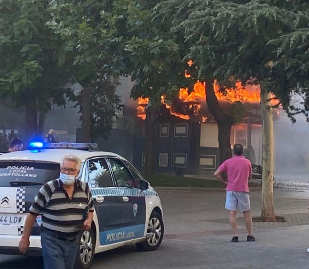 Incendio en un kiosko de helados de Puertollano