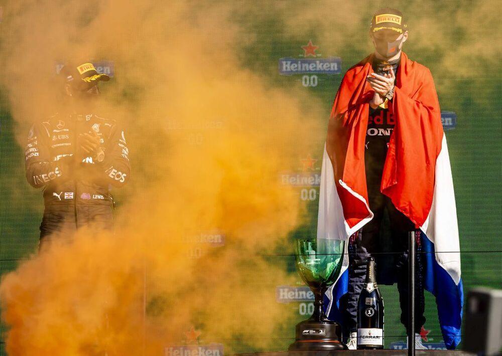 Verstappen desata la fiesta en Zandvoort