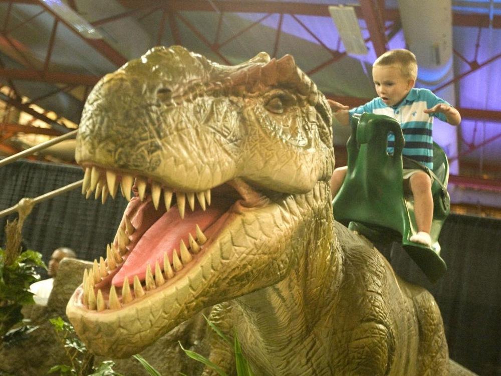 Dinosaurs Tour, la mayor exposición de dinosaurios animatrón