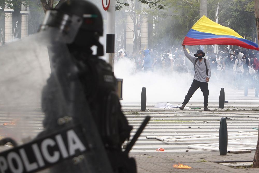 Protestas en la ciudad colombiana de MedellÁn contra la reforma tributaria