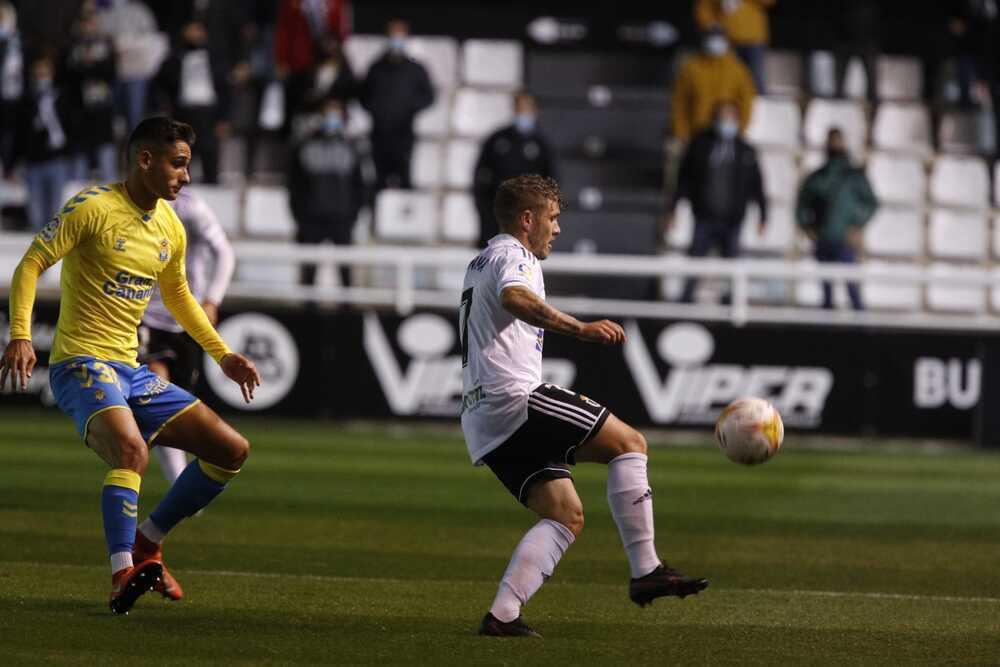 Las Palmas domina, pero el Burgos CF no sufre