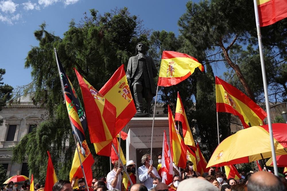 La Plaza de Colón se llena en contra de los indultos