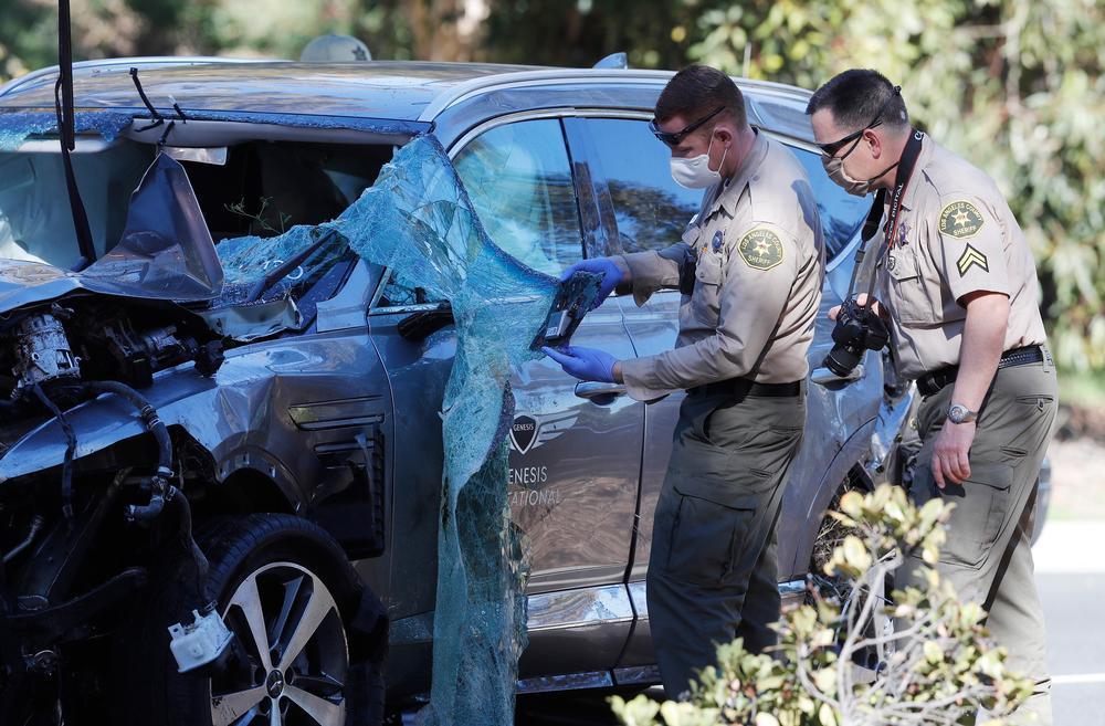 Woods no frenó ni levantó pie del acelerador en su accidente