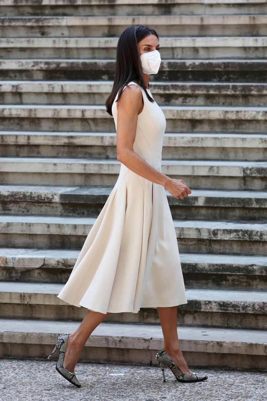 La Reina recupera uno de sus vestidos más favorecedores
