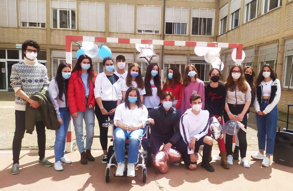 El IES Castilla se involucra para ayudar a una compañera
