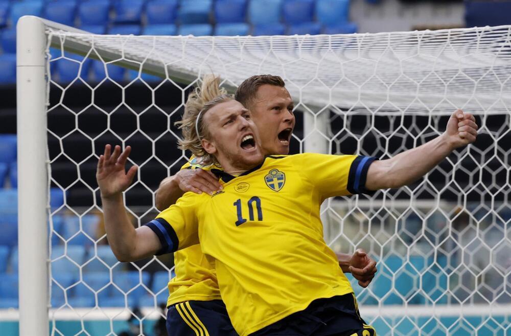 Suecia sale de la cueva a tiempo