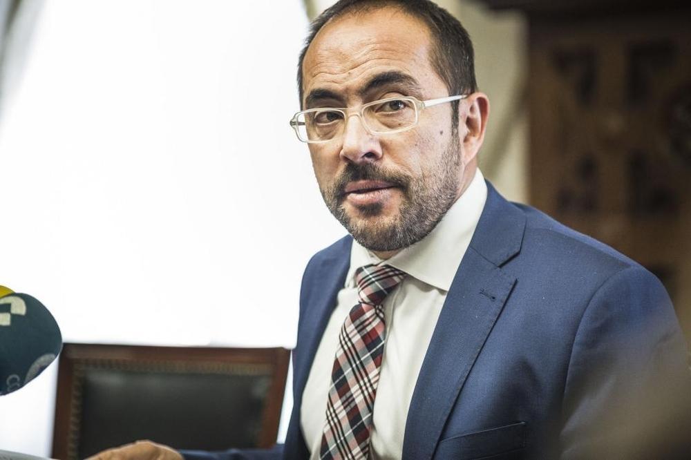 #VÍDEO Luis Rey pide la dimisión de María José Jiménez