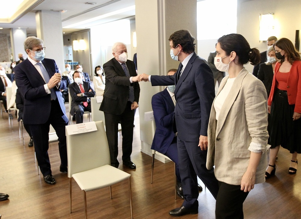 Mañueco ofrece CyL a los empresarios de Madrid