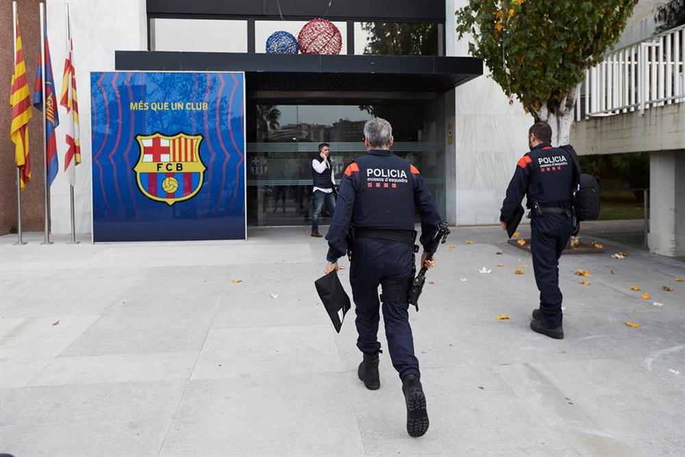 Detienen a Bartomeu tras registrar el Camp Nou por el 'BarçaGate'
