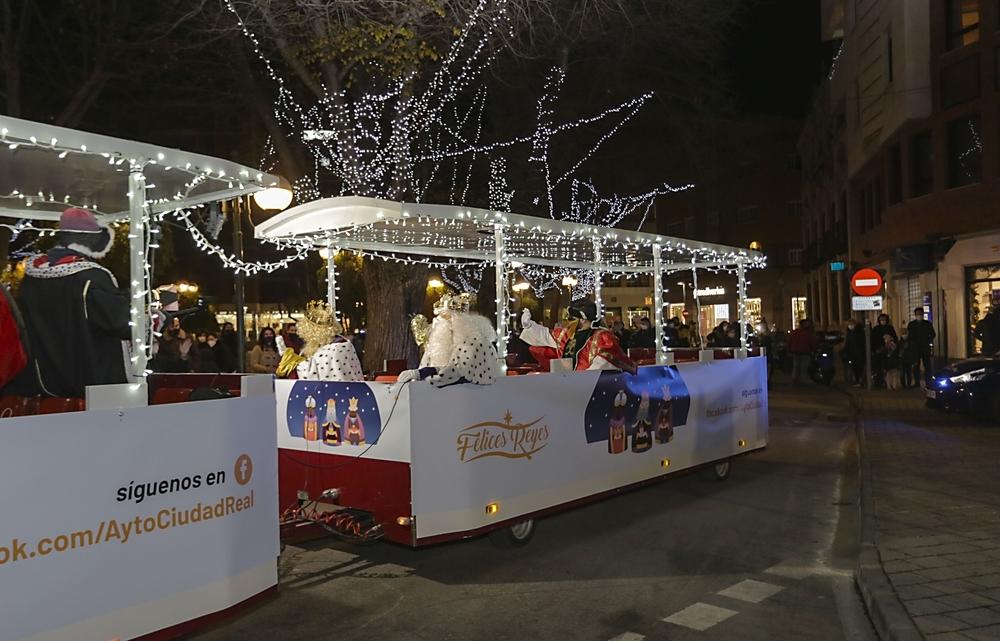 Los Reyes Magos ya recorren las calles de Ciudad Real
