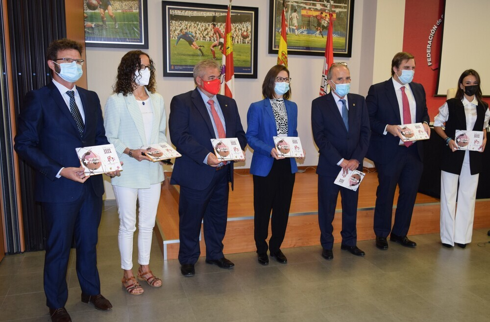 Francisco Ménendez, Silvia Sedano, José Ángel Peláez, María Perrino, Marcelino Maté, Jorge Mowinckel y Arianna Carralero.