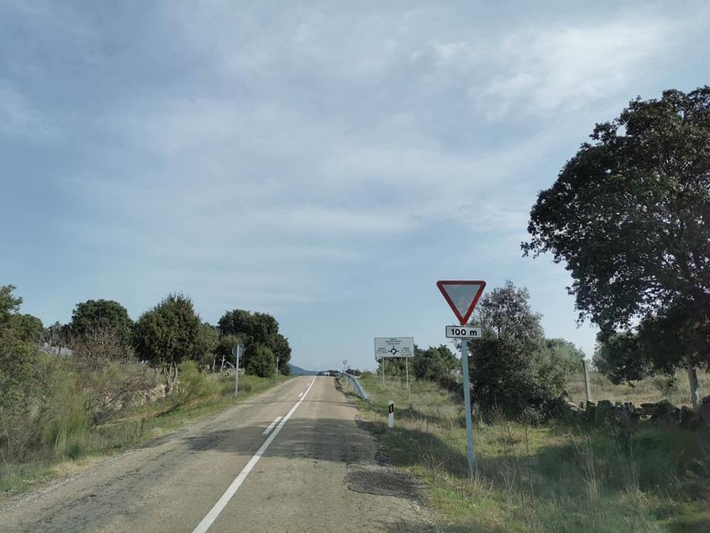 Almendral reclama inicio urgente del arreglo de la carretera