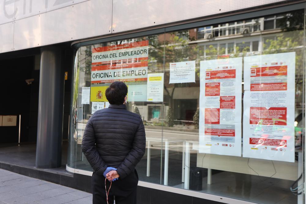 El paro en España baja en 39.012 personas en abril