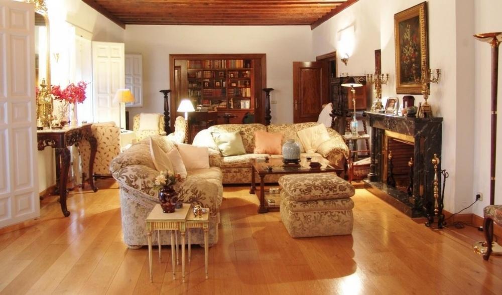 Chalé en el barrio de El Salvador de Segovia a la venta por 2.250.000 euros, con 1.200 metros cuadrados construidos y siete habitaciones.