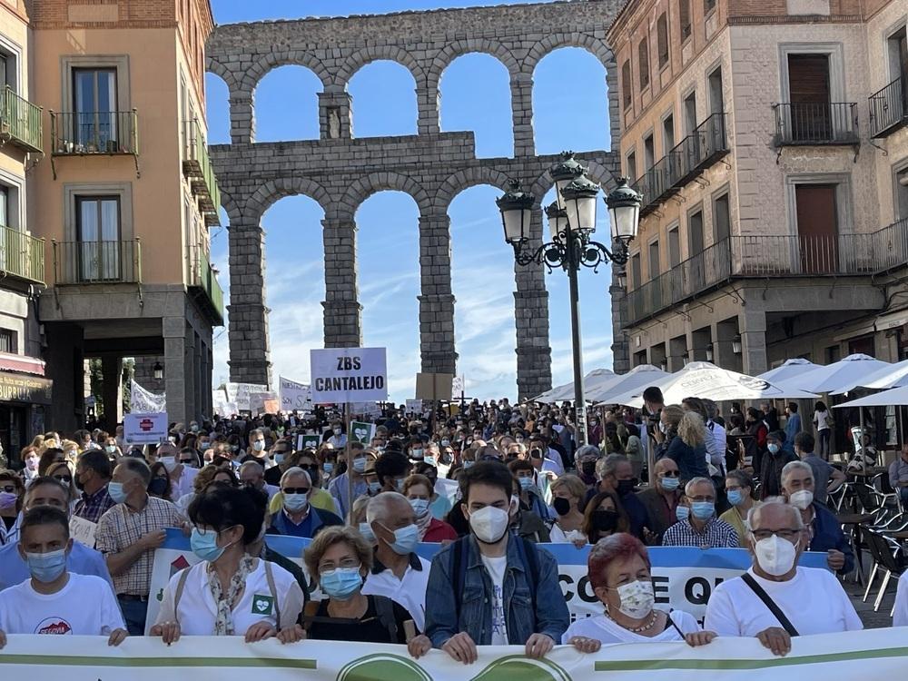 Unas 3.000 personas reclaman una sanidad pública de calidad